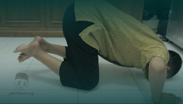 Bermakmum di Belakang Imam Wahabi