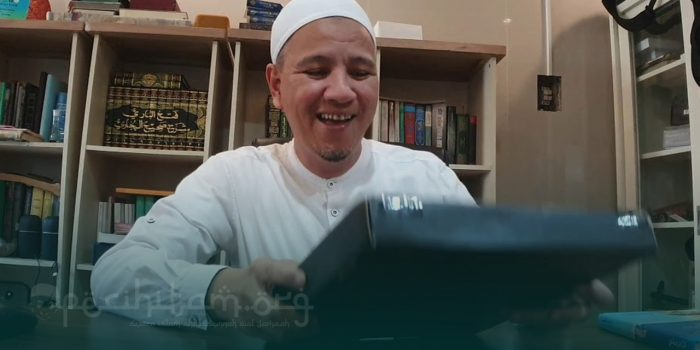 Habib Novel Alaydrus Dapat Silver Play Button YouTube