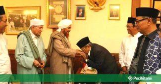 4 Dalil Ngalap Berkah Ini Pasti Bikin Salafi Wahabi Gerah!